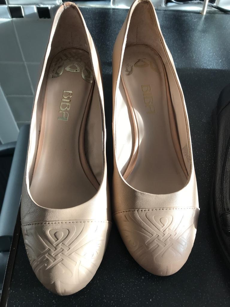 Ladies Shoes size 5/6 four Pairs