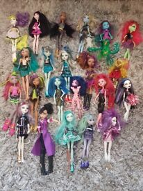 Monster high assessories and dolls bundle
