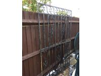 Metal fence/gate