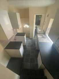 Lovely 3 Bed Upper Flat available to rent in Deckham, Gateshead. Brand new kitchen.