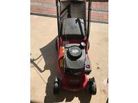 Mountfield HP414 petrol lawn mower