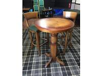 High bar table and stools poseur table