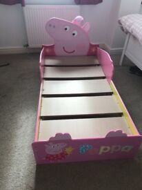 Peppa pig bed excellent condition