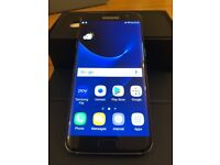 Samsung Galaxy S7 Edge with Gear VR headset