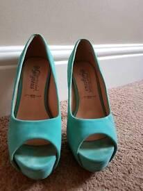 Aqua high heels - Size 6