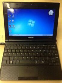 Toshiba NB500 10inch Laptop netbook