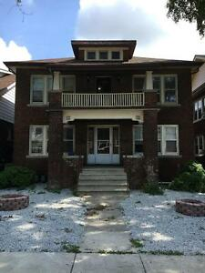 GREAT CHARACTER 2 BDRM APT $799 + HYDRO AT 1334 DUFFERIN PLACE