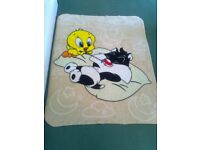 'TWEETY PIE & SYLVESTER' REALY SOFT BABY'S BLANKET - LARGE SIZE - LIKE NEW