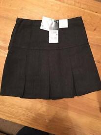 Brand New Next Girls Age 5 Grey Pleated School Skirt Adjustable waist
