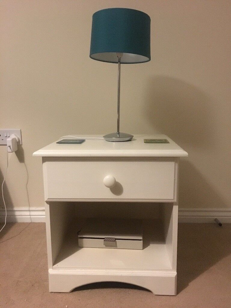 TENNER FOR BOTH MUST GO ASAP Set of 2 Bedside Table with Drawers Painted White Wood