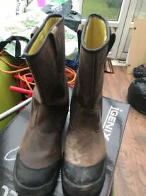 Stanley Rigger Boots / SIZE 11 / Steal Toe Cap Boots / Safety Boots