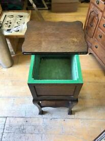 Antique vintage card playing table - mint condition
