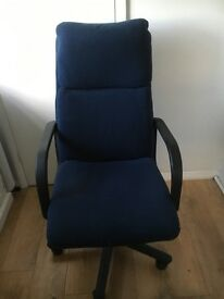 Free wheeling office chair