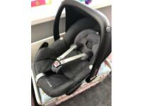 Maci cosi pebble car seat in grey