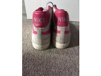 Nike blazers size 9