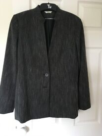 Ladies smart jacket. Grey, fully lined, 2 button. Klass Collection. Size 14. Excellent condition.
