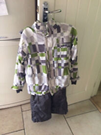 ski jacket, salopettes x2 and thermals x3 sets boys/girls age 9/10/11 years height 140-152cms