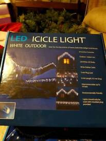 Led outdoors icicle lights