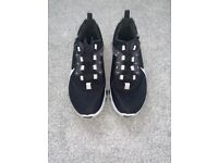 NIKE RENEW ladies/ kids trainers Size 3