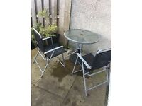 Garden table and 2 chairs £10