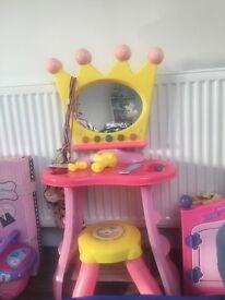 Peppa pig dressing table