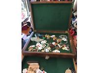 wood jewellery display case with lock & key