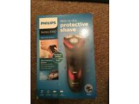 Brand new Philips wet and dry shaver
