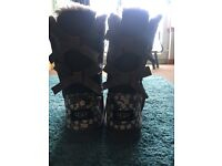 bailey ugg boots size 5 never worn lovely flower pattern on it pm me