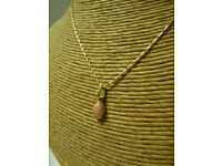 Vintage 18inch Yellow Gold 375 9ct Pretty Necklace Chain and Pendant