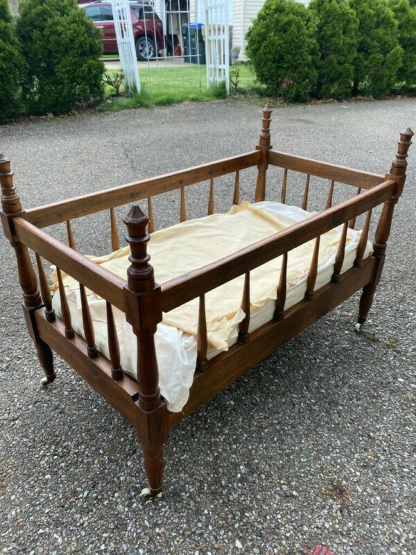 Baby doll bed Antique