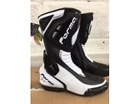 Brand New Motorcycle Boots - Forma Freccia Sport/Road Boots Black/White Size Euro 44 UK 9.5