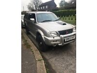 Mitsubishi worrier L200 with very low mileage
