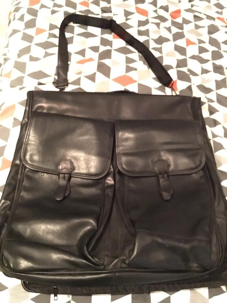 Leather garment carrier