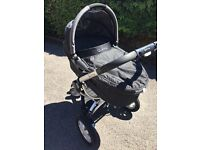 Quinny Buzz Pushchair/Carry cot & extras