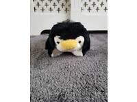Pillow pets dream lites penguin night light