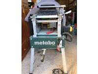 Metabo HC260C electric Wood planer machine, hardly used.