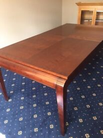 GRANGE, LARGE EXTENDABLE SOLID WOODEN TABLE & 4 X CHAIRS!!!