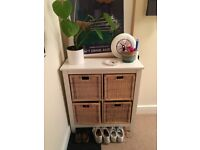 Sideboard with 4 storage baskets