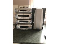 Technics music player only 1 speaker working