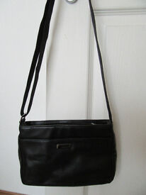 Guess Leather Handbag, Black, Hardly used, Excellent Condition