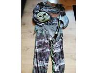 9-10yrs old Halloween outfit plus accessory