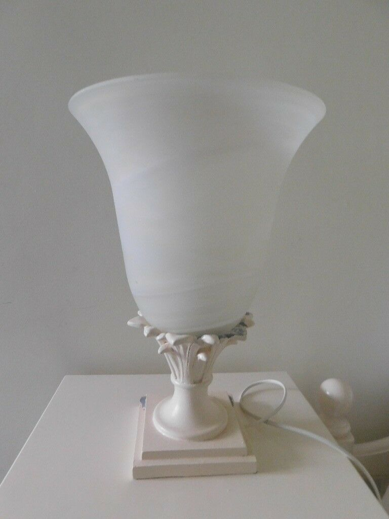 Heavy table lamp with murano glass shade