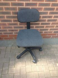 Swivel Chair for computer desk, charcoal grey, functional.