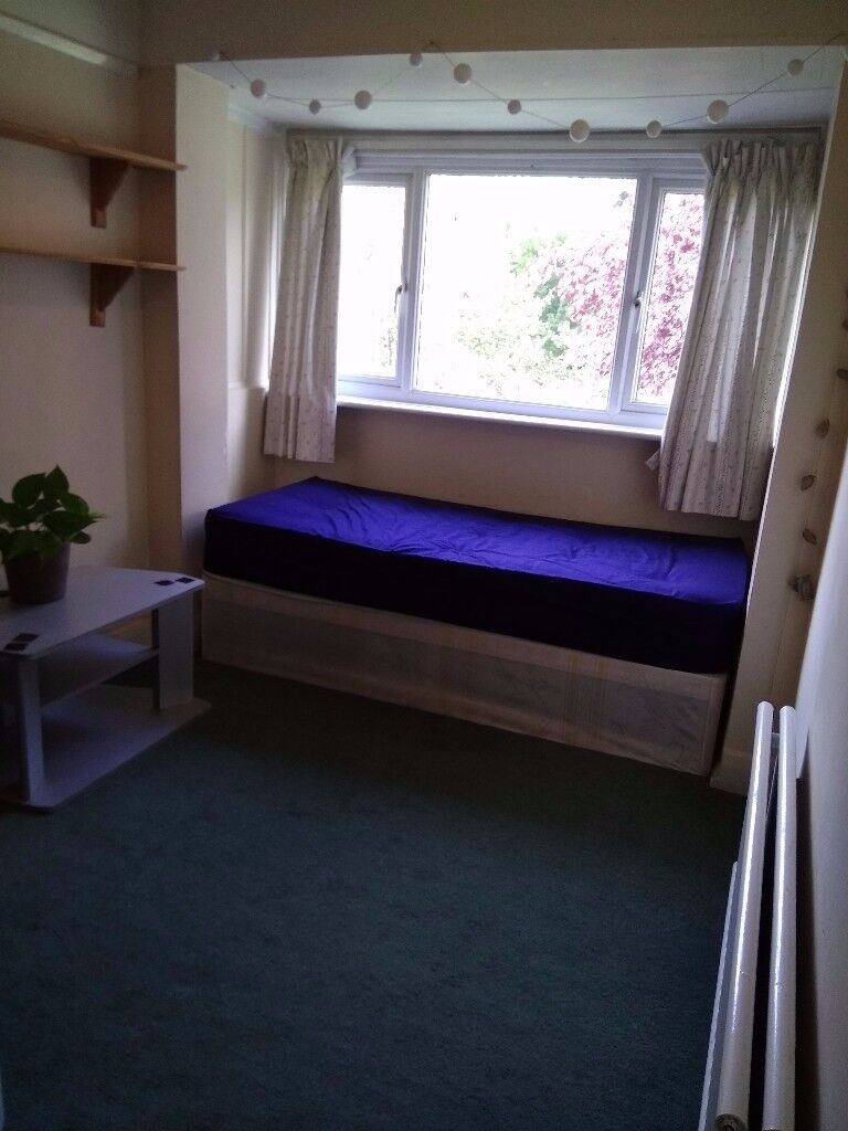 **AVAILABLE NOW.SINGLE ROOM IN ACTON** W3
