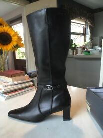 Black Leather Knee High Size 6 Tamaris Boots NEW - NEVER WORN