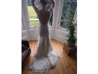 Backless fishtail lace wedding dress
