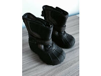Kids winter boots, uk size 7 from Next, immaculate as seen in pictures, only £10