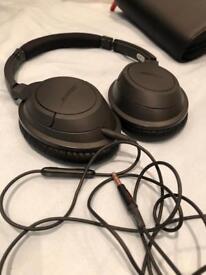 Bose soundtrue lightweight headphones