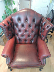 Vintage 1980s Queen Anne style armchair: Don't miss out!