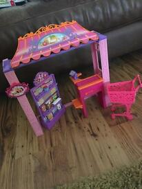 Barbie grocery store & accessories